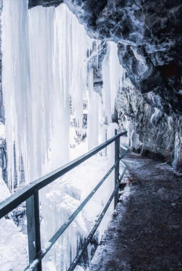 Fotospots im Schnee: Die Eisvorhänge in der Breitachklamm in Oberstdorf