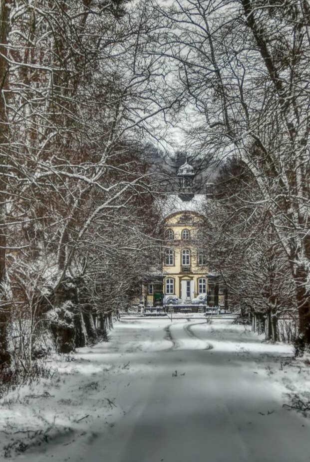Fotospots im Schnee in Niedersachsen: Das Schloss Söder in Holle