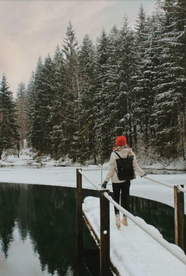 Fotospots im Schnee in Thüringen: Der Pfanntalsteich in Oberhof
